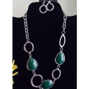 Haute Heirloom Green Bead Silver Frame Necklace